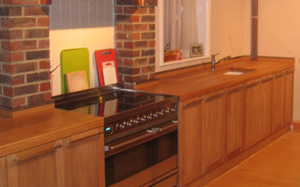 Bespoke Oak Fitted Kitchen - Bourne's Fine Furniture