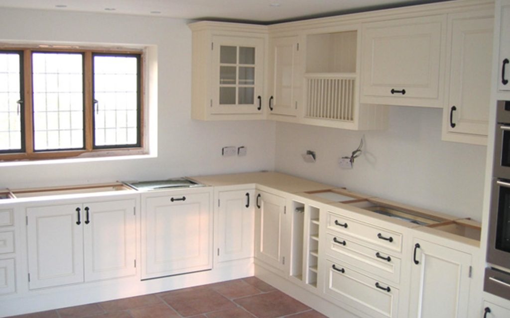 White Country Style Fitted Kitchen - Bourne's Fine Furniture
