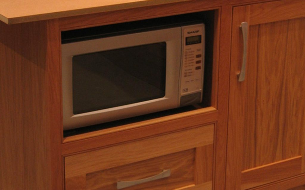 Handmade Oak Fitted Kitchen - Bourne's Fine Furniture